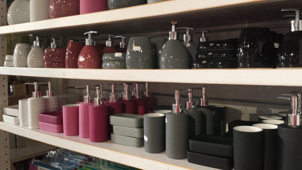 distributeurs de savon et gobelets magasin b. Black Bedroom Furniture Sets. Home Design Ideas